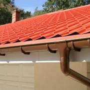 Instalar calhas no telhado